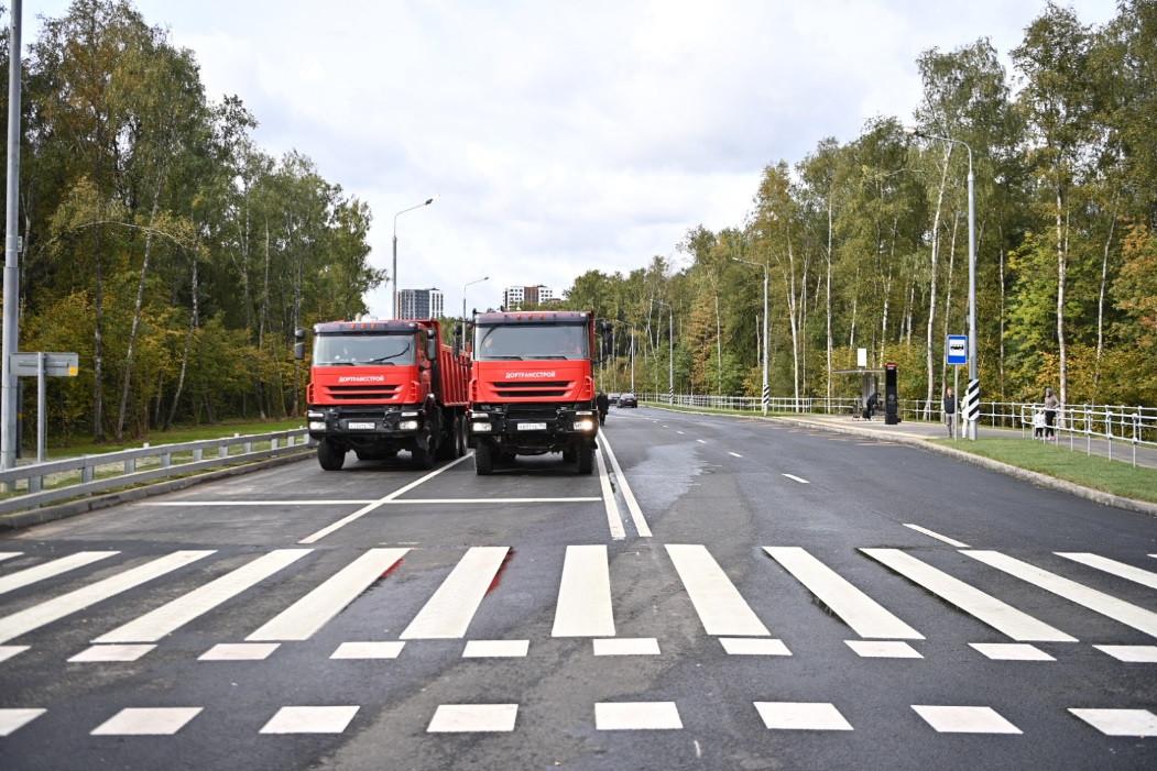 Запущено движение по новой дороге из Московского до станции метро «Филатов Луг»